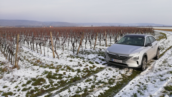 hyundai nexo mortimer hydrochan hydrogen snow six senses kamptal ried steinsetz grüner veltliner winter test gobelsburg lower austria niederösterreich december