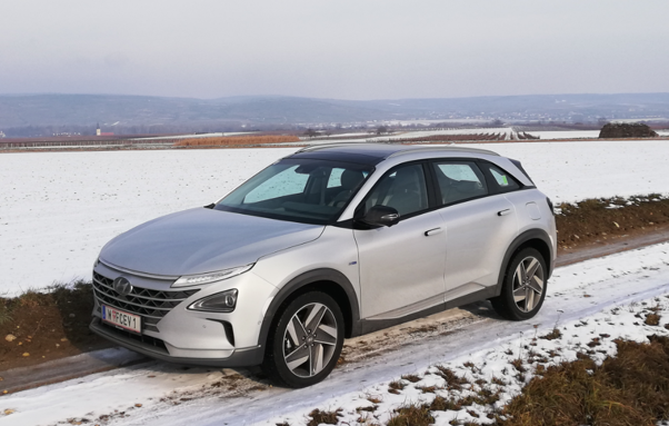 hyundai nexo mortimer hydrochan hydrogen w fcev 1 front side view snow six senses kamptal winter test gobelsburg lower austria niederösterreich december
