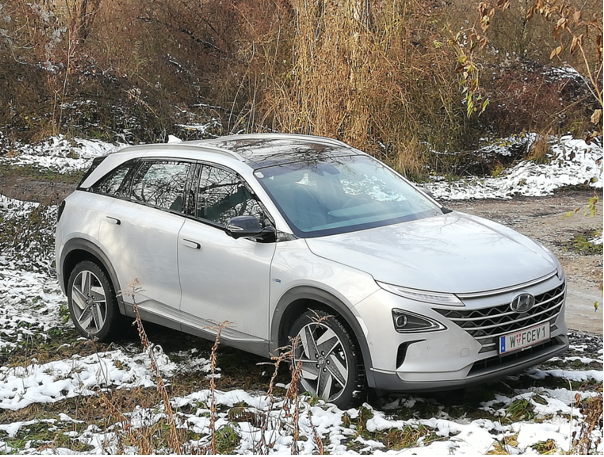 hyundai nexo mortimer hydrochan hydrogen w fcev 1 top view snow six senses kamptal winter test gobelsburg lower austria niederösterreich december