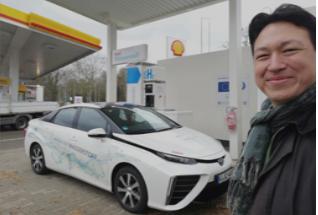 IMG_20190313_1416_Toyota Mirai FCV_Mortimer hydrochan energytours_Leverkusen SHELL hydrogen station