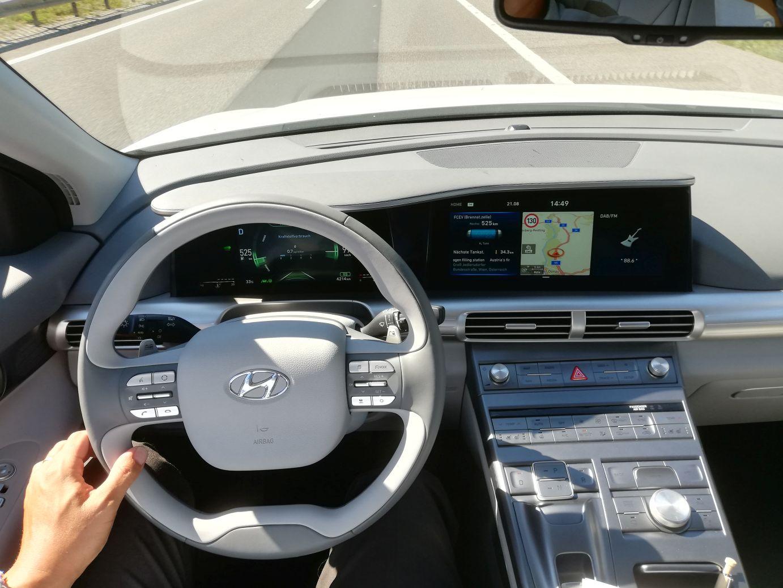 hyundai nexo 598 hydrogen Wasserstoff FCEV_mortimer Schulz hydrochan interior cockpit