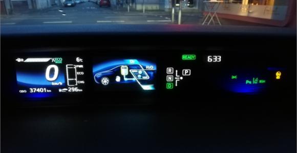 Toyota Mirai Fuel Cell Wasserstoff H2_Armaturen Bildschirm_Mortimer Hydrochan Schulz