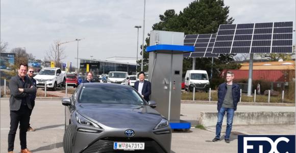 Toyota Mirai Fuel Cell Vehicle FCV Hydrochan Mortimer Schulz_Wasserstoff Tankstelle EDC Anlagetechnik GmbH Team Tulln Photovoltaik energytours