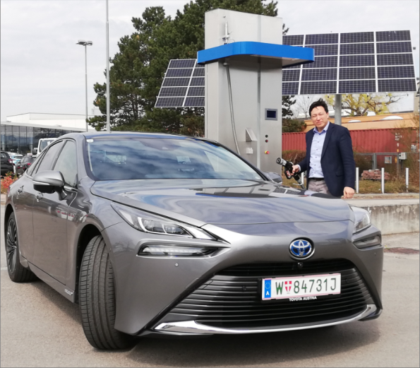 Toyota Mirai Fuel Cell Vehicle FCV Hydrochan Mortimer Schulz_Wasserstoff Tankstelle EDC Tulln Photovoltaik pv energytours